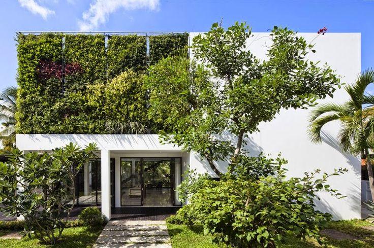 Toạ lạc ở Thảo Điền Quận 2, ngôi biệt thự nổi bật với không gian xanh, thiết kế hiện đại và hồ bơi trong vắt. Cùng KOHLER khám phá ngôi nhà trong mơ này, được thiết kế bởi nhóm kiến trúc sư MM+ Architects.MM+ Architects được sáng lập bởi kiến trúc sư My An Pham Thi và Michael Charruault.