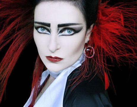 BEAUTY DARE: Siouxsie Sioux Eyeliner