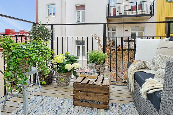 cosy balcony/ Alvhem mäkleri
