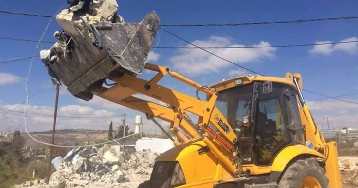 The Israeli Occupation Forces (IOF) demolished 780 Palestinian-owned homes in Area C since the beginning of 2016, leaving 1129 Palestinians homeless, Haaretz Hebrew newspaper reported.
