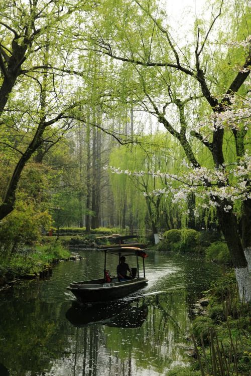 West Lake Cultural Landscape of Hangzhou / China (by Great Pangtou).