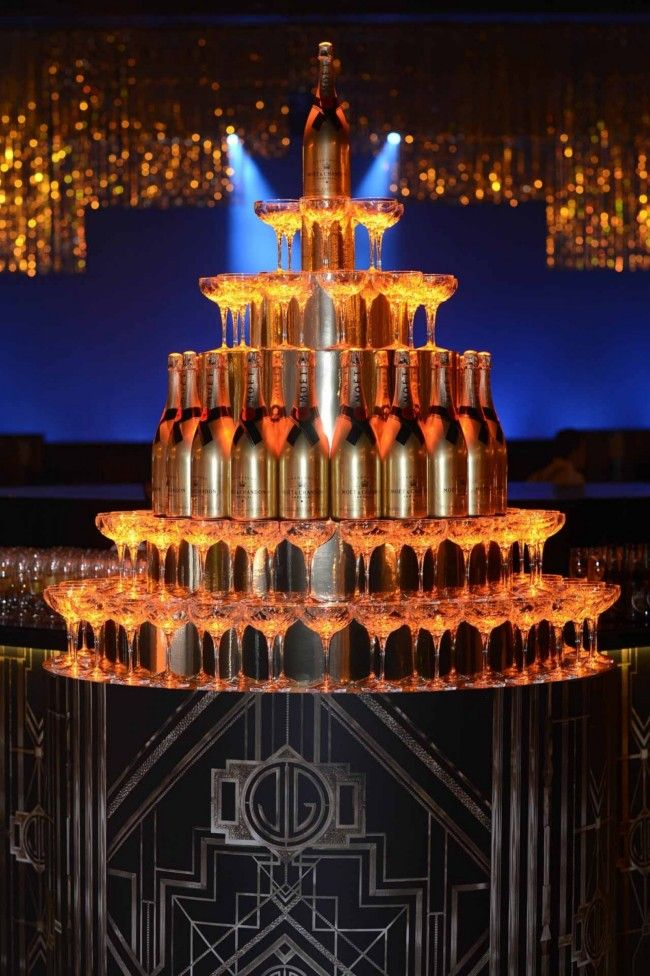 The Great Gatsby cocktail and champagne  centre piece décor in the reception area and bar, where the pre drinks and the canapé are served.