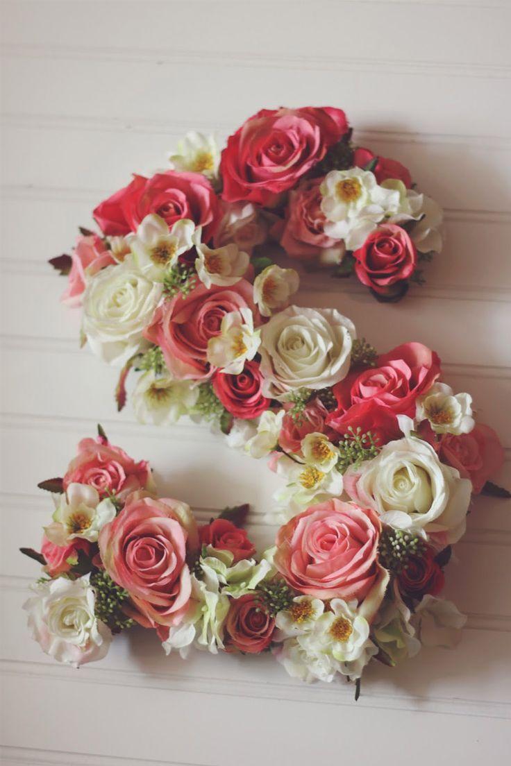 Hoy en el blog, un tutorial con muchas flores para animar este martes gris!  http://www.unabodaoriginal.es/blog/donde-como-y-cuando/decoracion/diy-iniciales-con-flores