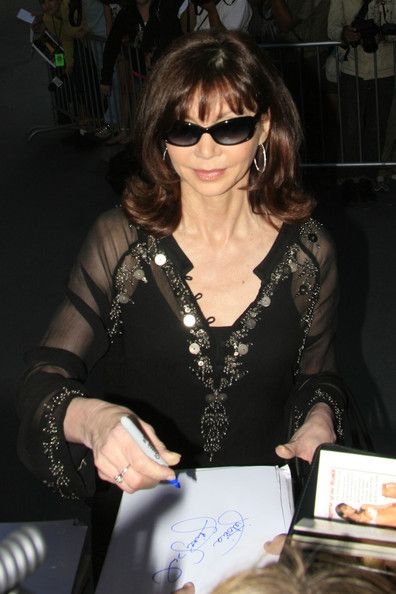Happy 64th birthday Victoria Principal!!!!!! 01/03