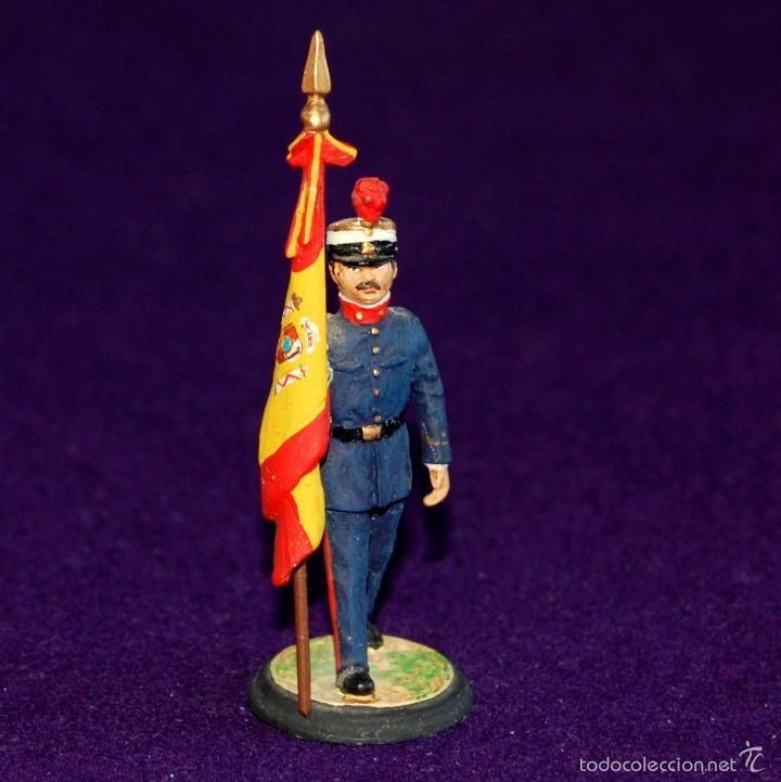 SOLDADITO DE PLOMO MUNDIART. ABANDERADO SOLDADO ESPAÑOL. 8,5cm. SOLDADO ESPAÑA. MINIATURAS SPAIN - Foto 1