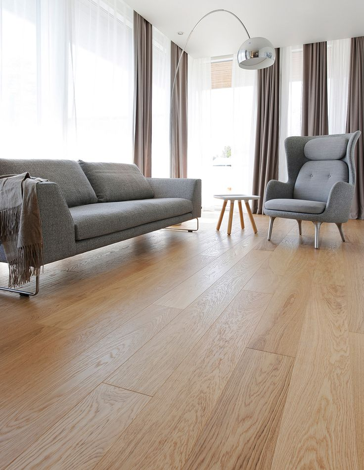 Simply gorgeous! Oak parquet Select, brushed matte lacquered in Housing Fair 2014 home.   Yksinkertaisesti upea! Tammiparketti Select, harjattu mattalakattu lattia Asuntomessut 2014 kodissa.