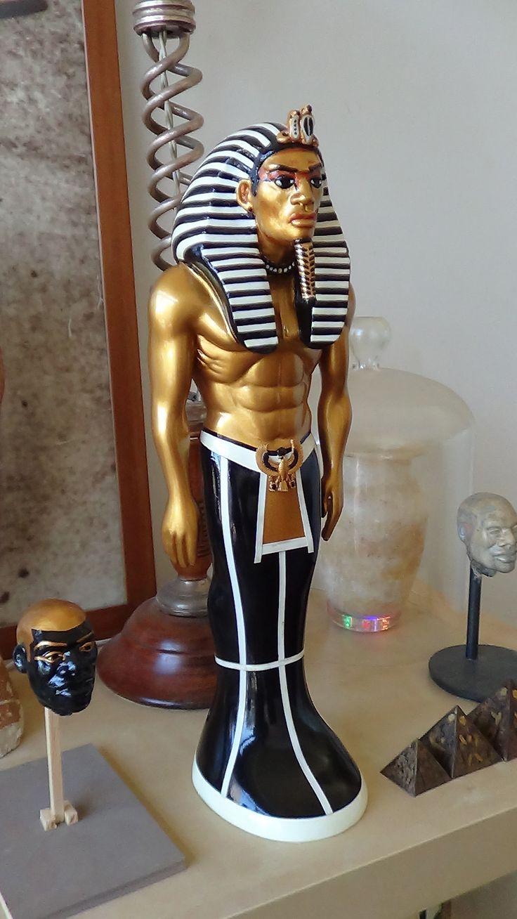 Egyptian statue sculpture