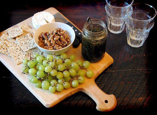 How To Assemble a Cheese Board Appetizer