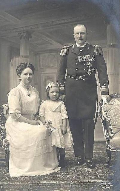 Wilhelmina, Frederik en Juliana