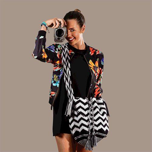 Viva Wayúu Mochilas. Chic, handmade and sustainable.  www.vivayviva.com  #wayuubag #bohochic #ootd #fashion #moda