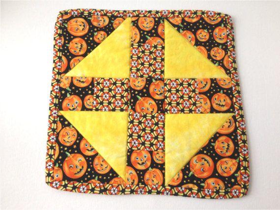 Fall Mini Quilt, Halloween, Jack O' Lantern,  Pumpkin Mini Quilt, Halloween Trivet, Pumpkin Pot Holder, Autumn Table Topper