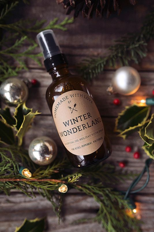 How-to+Make+Essential+Oil+Holiday+Room+Sprays+-+Tasty+Yummies