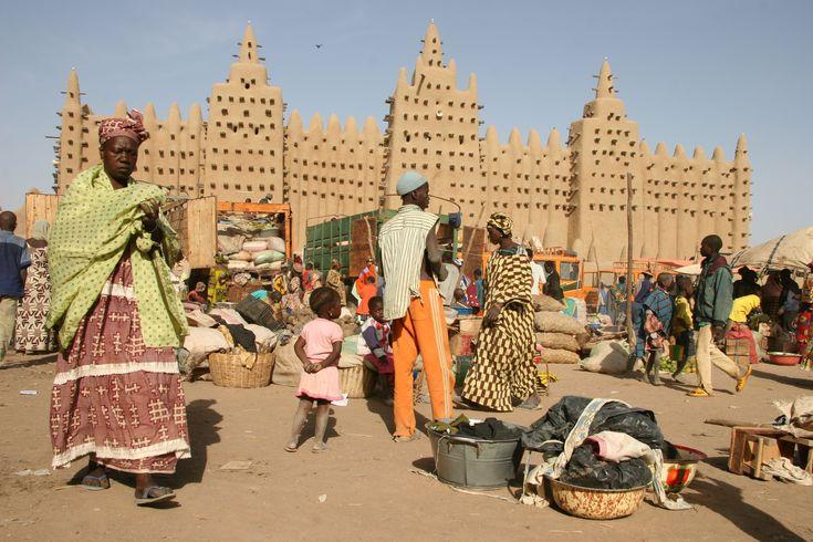 Mali_-_mosque_in_Djenné.jpg (3504×2336)
