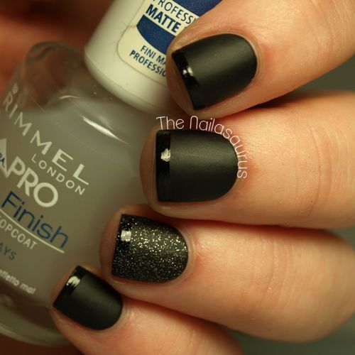 Love these for fall. Black matte nails with glossy tips and a smudge of glitter