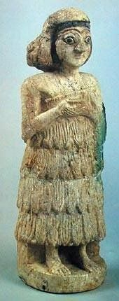 DescribeUr Figurine of woman 2600 B.C.     The National Museum of Iraq - Baghdad your pin...