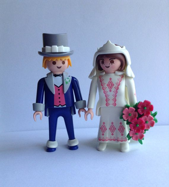 Bride and Groom, Playmobil Geobra, wedding cake topper, vail / bouquet / trane, vintage toys, original, collectible, figures on Etsy, 23,29 €: