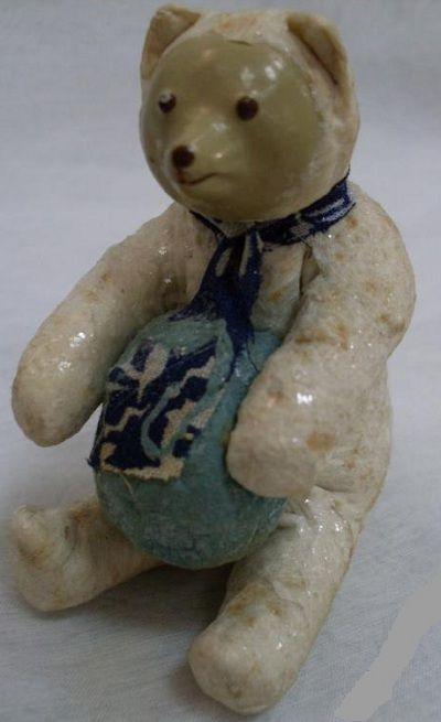 Старинная елочная игрушка из ваты. Артель «Промигрушка», г.Ленинград. Медведь с мячом. 1940-е-начало 1950-х гг.