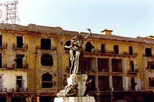 The Martyr's Square statue in Beirut, 1982, during the civil war