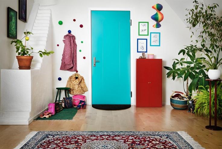 Welkom in een veiliger huis! Wist u dat de deur en niet het slot inbraak bemoeilijkt? Stap over op de meest stijlvolle en geavanceerde veiligheidsdeur van staal die er is. Niets beschermt uw huis beter!