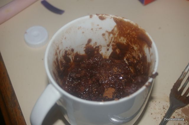 Domesblissity: 30 sec Self Saucing Chocolate Pudding in a Mug