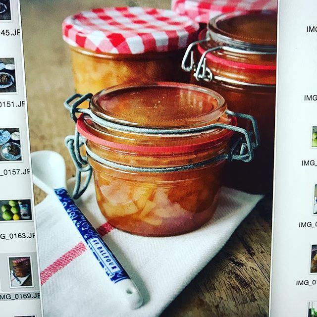 Zelf perenjam maken. Nooit gedacht dat het zo simpel was en zo ontzettend lekker is. Foto's uitsorteren zodat het recept binnenkort op de website van ENJOY! gedeeld kan worden. // Homemade pear jam. #enjoythegoodlife