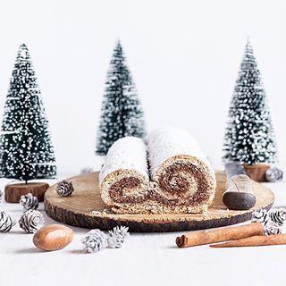 Noch eine kleine Weihnachtsinspiration: gesunder Spekulatius-Stollen aus Quark-Mürbeteig. Rezept gibt's bereits im Wunderland. - - - - - Christmas inspiration: the recipe for this healthy speculoos stollen made of quark short pastry is already on the blog! - - - - - #christmas #weihnachten #weihnachtsbäckerei #christstollen #stollen #spekulatius #speculoos #maraswunderland #foodphotography #foodstyling #foodporn #ahealthynut #healthy @a.healthy.nut #feedfeed @thefeedfeed #ichliebefoodblogs…