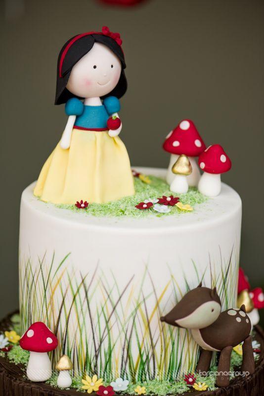 Snow White Parties, Heart, Snow White, Princesses, Party Ideas, Festa  Infantil, Events, Decorated Cakes, Revenue