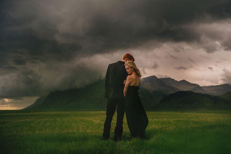 L'Islande pour des photos de mariage ? Oh oui.  Breathtaking Wedding Photos Will Make You Want To Visit Iceland ASAP