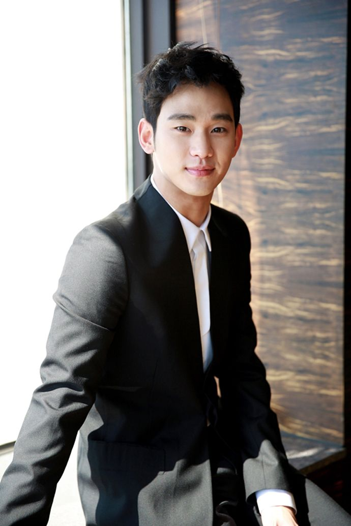 "Kim Soo Hyun's Post-""You Who Came From The Stars"" Interview Photos 