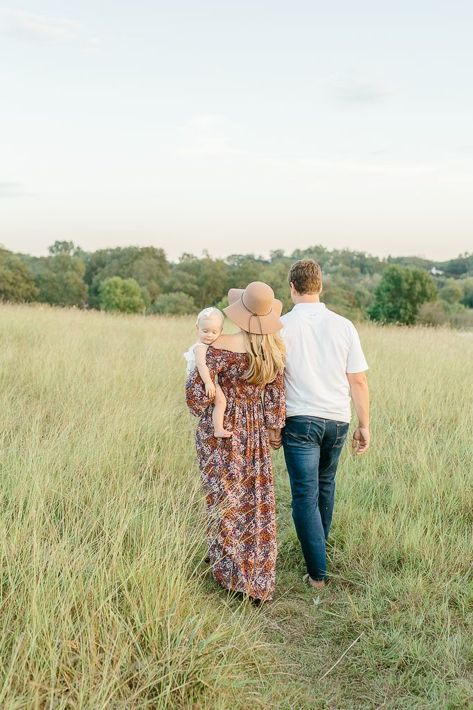 Dallas Family Photographer Liz Novi Photography Light And Airy Natural Family Portraits Natur Natural Family Portraits Family Portraits Family Photographer