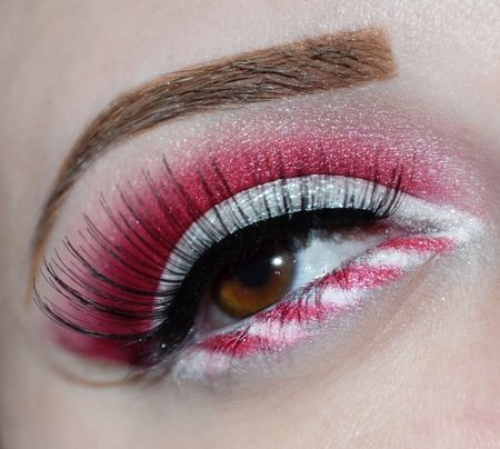 Christmas Candy Cane http://www.makeupbee.com/look.php?look_id=73969                                                                                                                                                                                 More