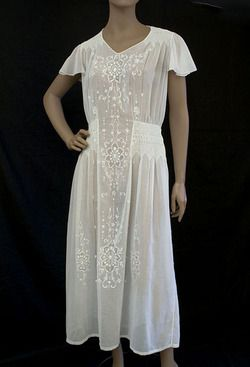 A lovey cotton voile party dress for Liz Lacy.