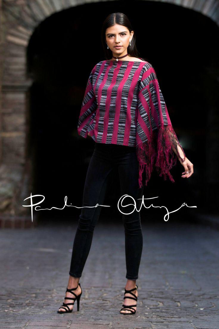 """Blusa KIN por Paulina Ortega  Kin significa """"Sol"""" en lengua maya. Blusa Oversize de mangas tipo mariposa con rapacejo en una sola manga. Elaborada a partir de un rebozo tejido artesanalmente en telar de pedal y punta hilada a mano."""