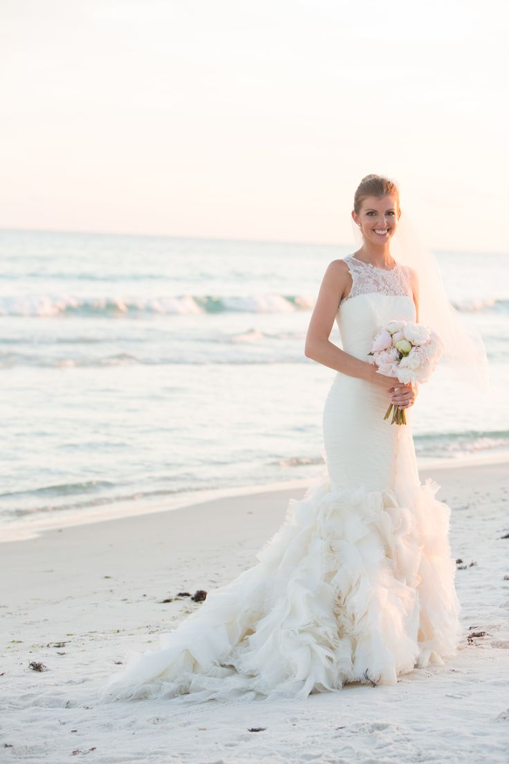 79 besten Beach Wedding Dresses Bilder auf Pinterest   Hochzeiten ...