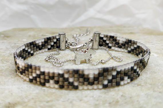 Grey loom beaded bracelet/ Bracelet with dog star or heart