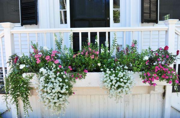 die besten 25 kleine balkone ideen auf pinterest kleiner balkon garten wohnung terrasse. Black Bedroom Furniture Sets. Home Design Ideas