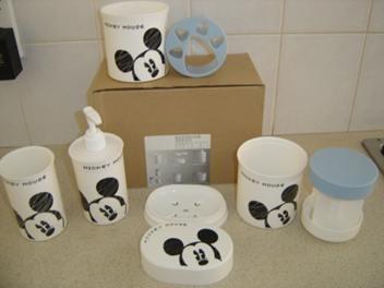 Mickey mouse bathroom set 5 pieces kids bathroom sets pinterest - Mickey mouse bathroom accessory set ...