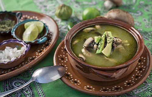 El Pozole también se puede preparar de color verde y también puede ser vegetariano.