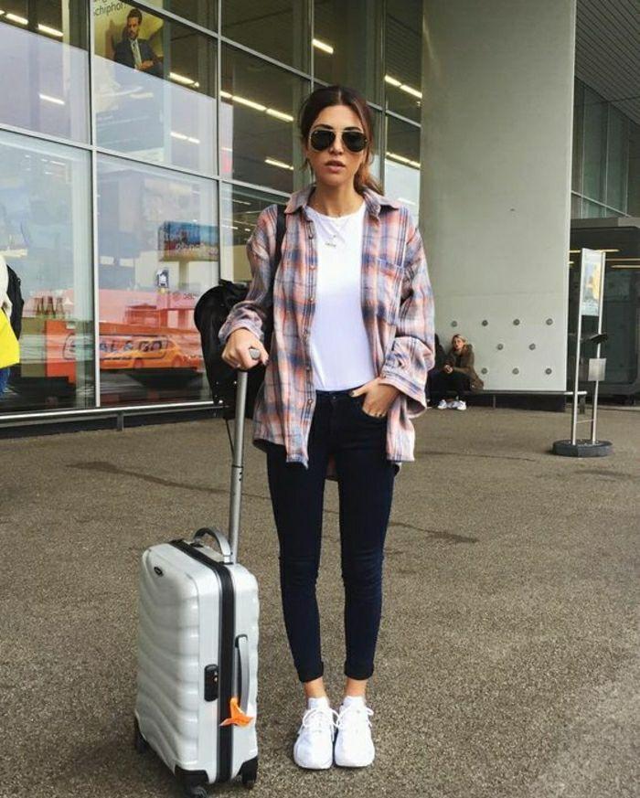 Voyage en avion comment bien s habiller ado leggings et t shirt blanche