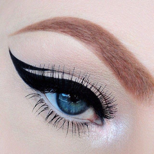 winged cat eye <3
