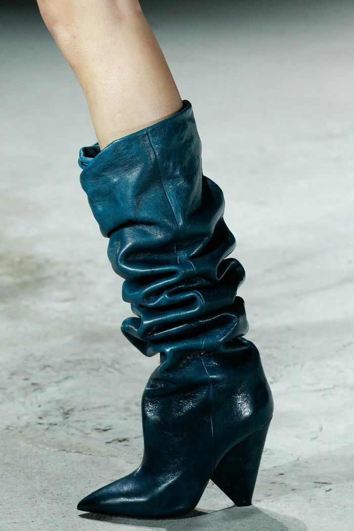 Модная обувь: высокие сапоги с голенищем-гармошкой, коллекция осень-зима 2017-2018