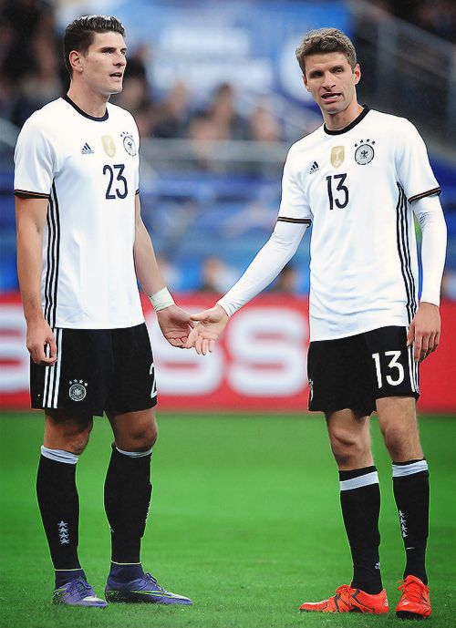 Mario Gomez and Thomas Müller.