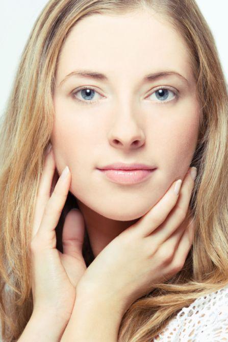 7 Ingredients people with sensitive skin must avoid #Skincare #beauty #SensitiveSkin