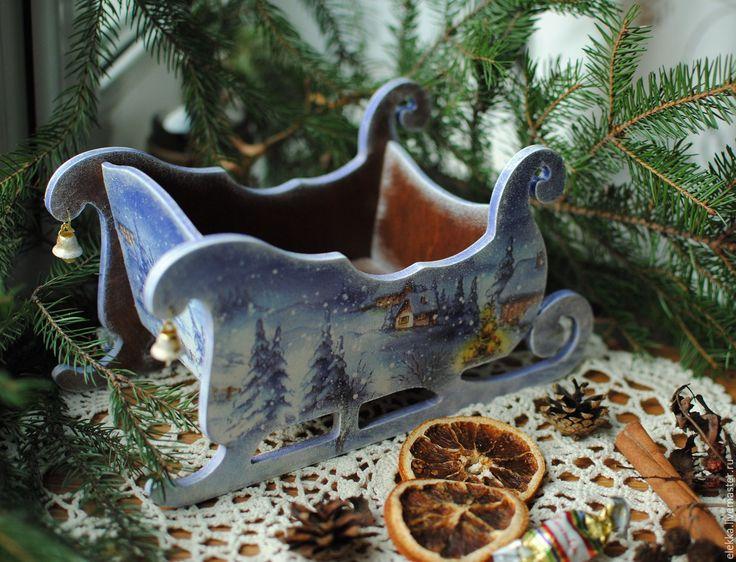 Купить или заказать Новогодние сани 'Ночь перед Рождеством' в интернет-магазине на Ярмарке Мастеров. Оригинальный подарок на Новый Год!!! Новогодние сани для конфет и фруктов!