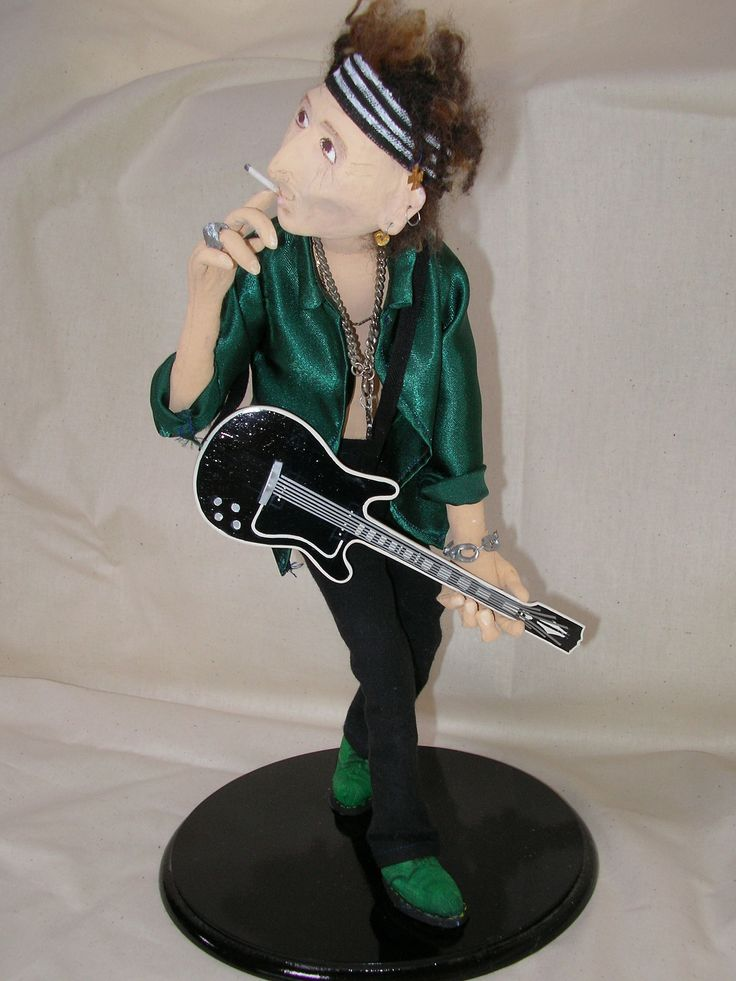 THIS WAS DONE FOR A BIG FAN OF KEITH RICHARDS, IT WAS A VERY BIG CHALLENGE,  #CLOTHDOLL #ARTDOLL #KEITHDOLL