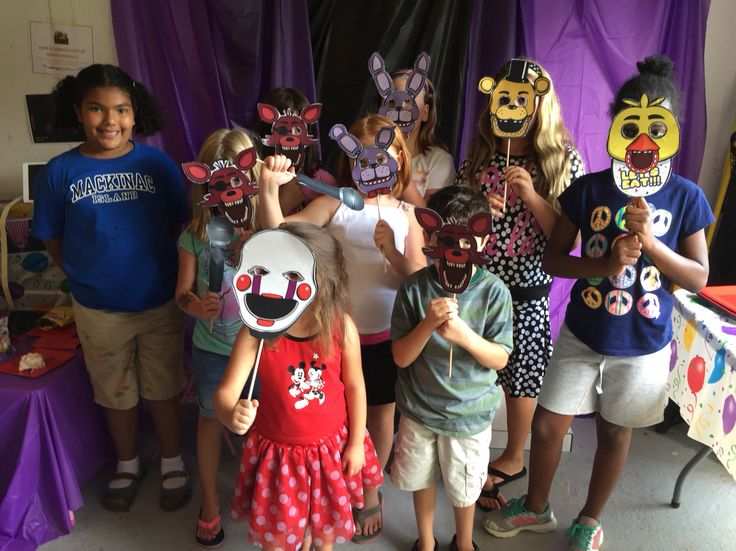 FNAF birthday photo booth! Five nights at Freddy's