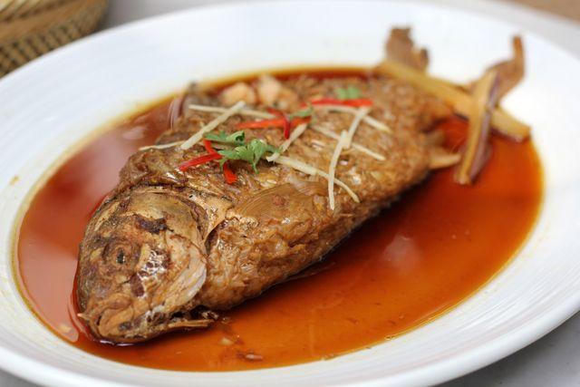 THAI CUISINE RECIPES   ... Thai Food at The Local Restaurant   Thai Street Food and Pictures