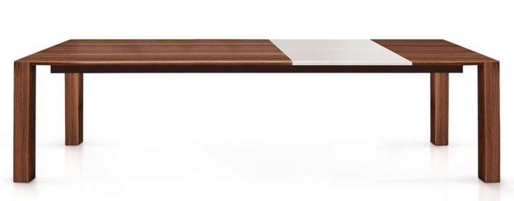 Jetzt bei Desigano.com Tischlein Esstisch ausziehbar Tische, Esstische, Tische, Esstische aus Holz von Oliver B. ab Euro 3 392,00 € TISCHLEIN von Oliver B. ist ein ausziehbarer Esstisch der zu gemeinsamen Abendessen mit Freunden oder in der Familie einlädt. Sein schlichtes Design passt sich sehr gut an verschiedene Einrichtungsstile an, somit ist TISCHLEIN vielseitig einsetzbar und sieht immer ausgesprochen gut aus. Der Esstisch ist in massiven Walnuss- oder Eichenholz erhältlich und die…