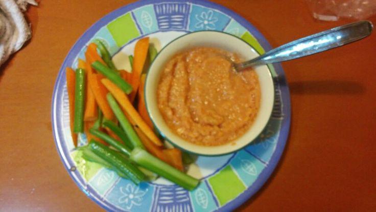 Centrifuga di pomodori freschi + sedano e carota. Ecco qua uno spuntino\antipasto leggero e salutare❤