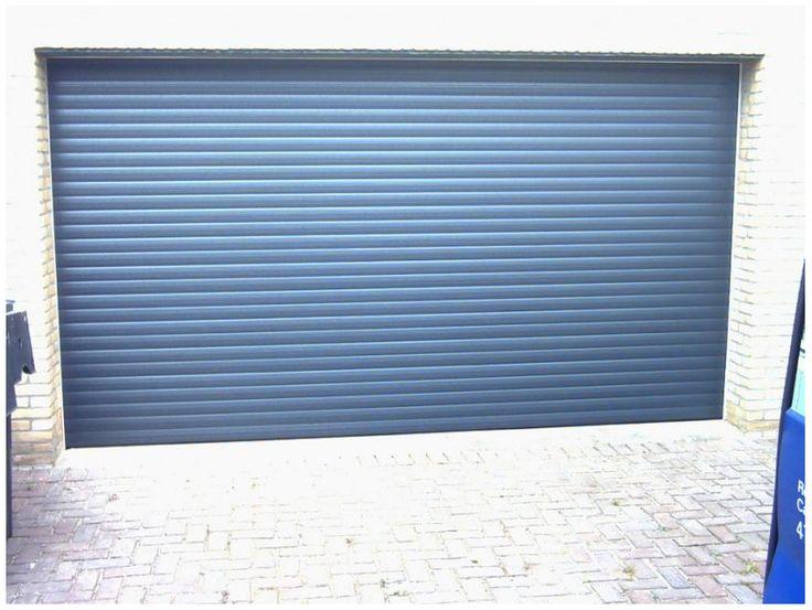 Laag plafond deur ingebouwd. Mooie kleur!  http://www.zonwering.nl/garagedeuren/